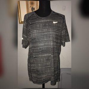 🛍5/$25🛍Women's Nike Dri-Fit Striped Tee, Size L